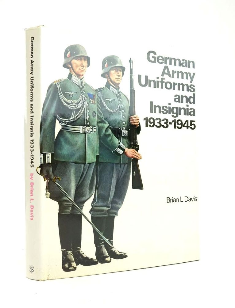Photo of GERMAN ARMY UNIFORMS AND INSIGNIA 1933-1945 written by Davis, Brian L. published by Arms & Armour Press (STOCK CODE: 1820883)  for sale by Stella & Rose's Books
