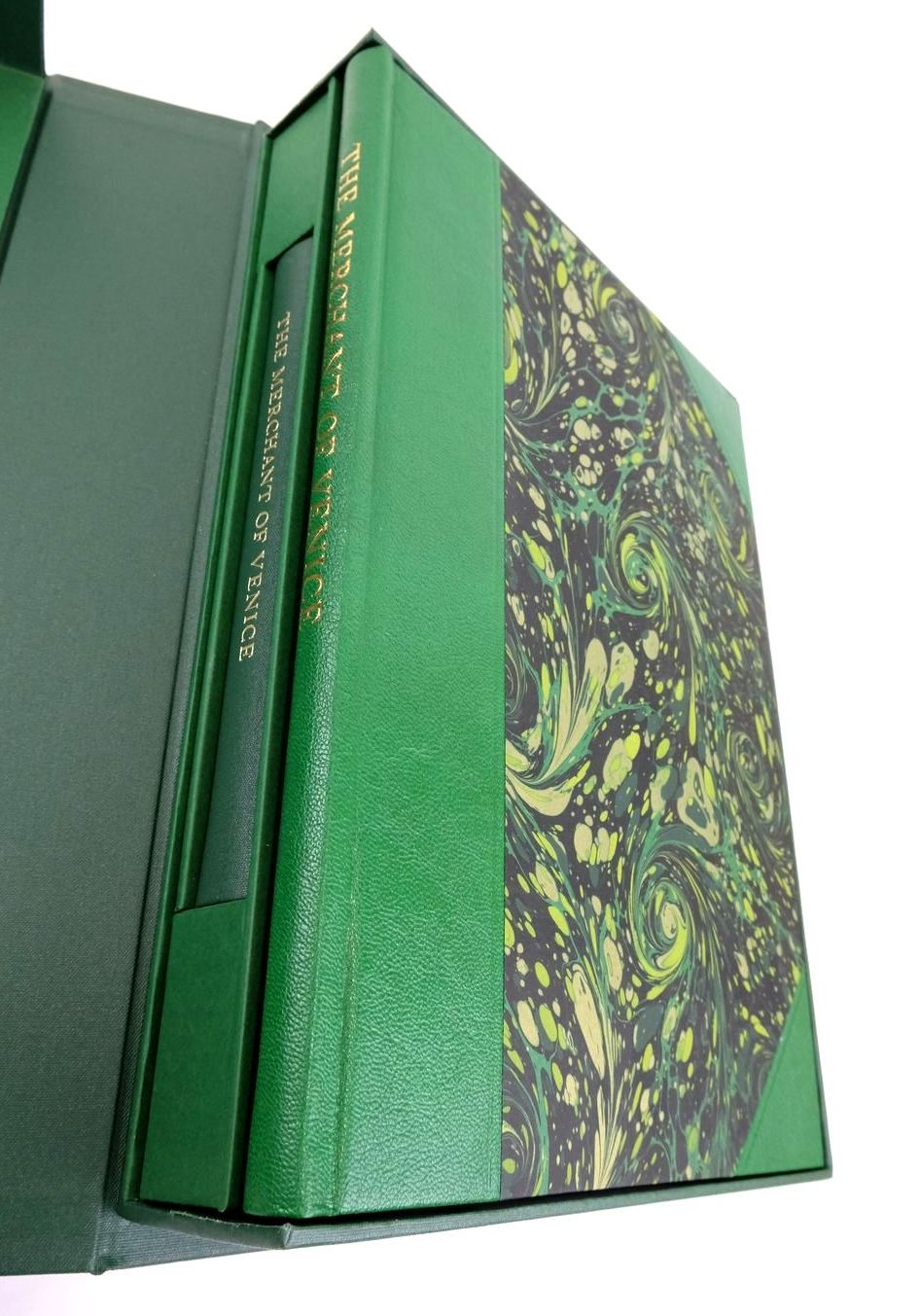 Photo of THE MERCHANT OF VENICE (THE LETTERPRESS SHAKESPEARE) written by Shakespeare, William Halio, Jay L. published by Folio Society (STOCK CODE: 1822196)  for sale by Stella & Rose's Books