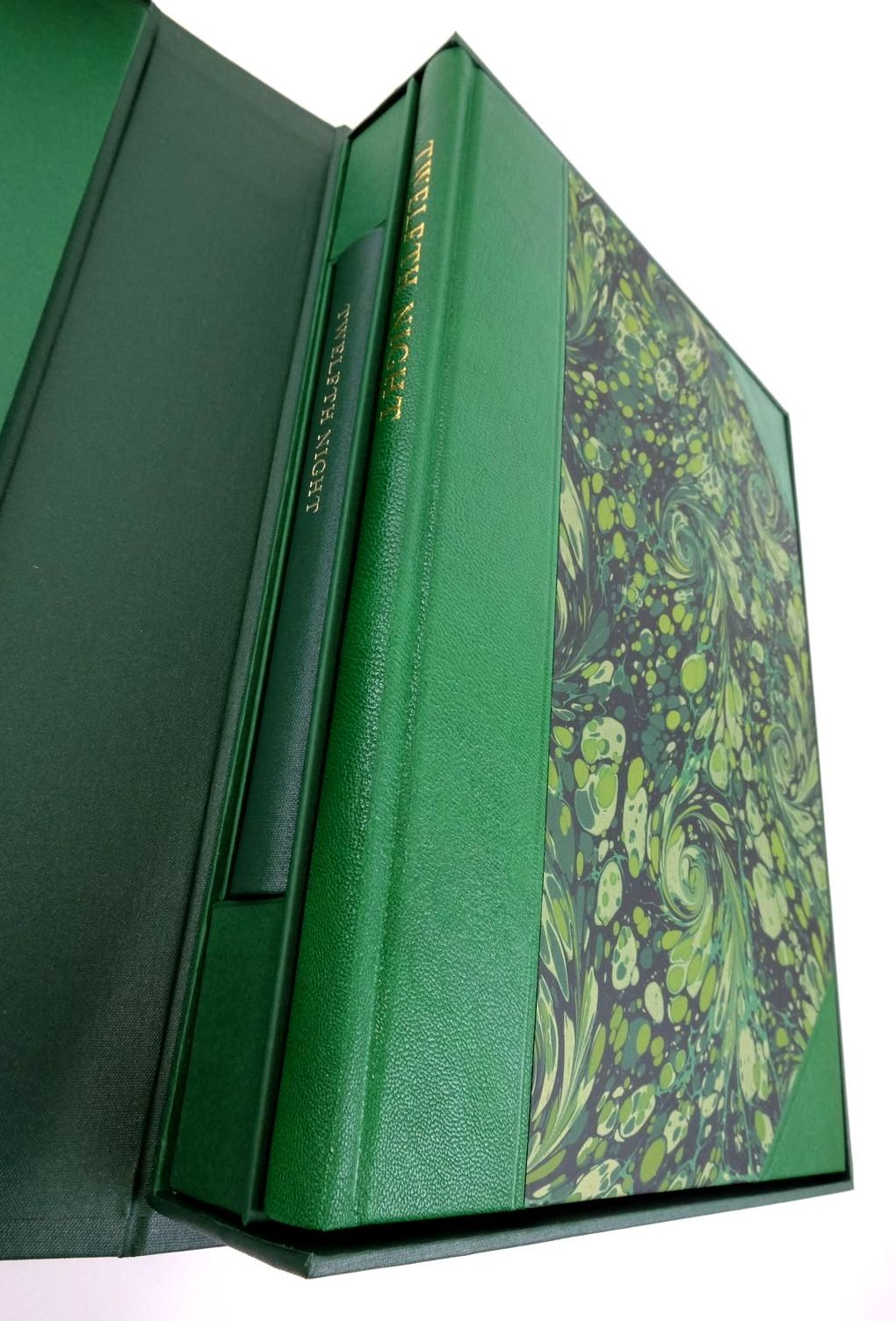 Photo of TWELFTH NIGHT OR WHAT YOU WILL (THE LETTERPRESS SHAKESPEARE) written by Shakespeare, William Warren, Roger Wells, Stanley published by Folio Society (STOCK CODE: 1822574)  for sale by Stella & Rose's Books