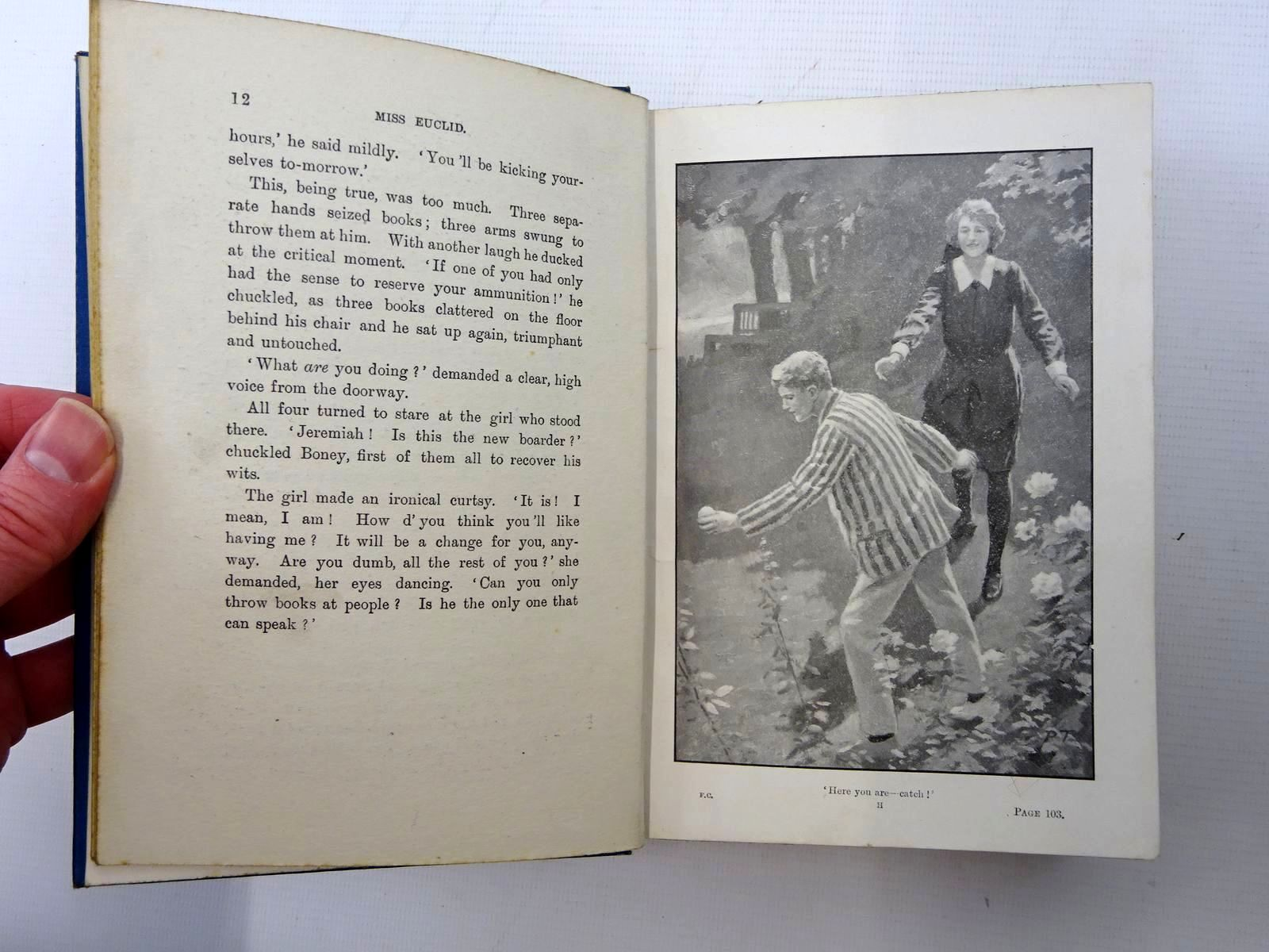 Photo of THE TWO FORM CAPTAINS written by Oxenham, Elsie J. illustrated by Tarrant, Percy published by W. & R. Chambers Limited (STOCK CODE: 2125311)  for sale by Stella & Rose's Books