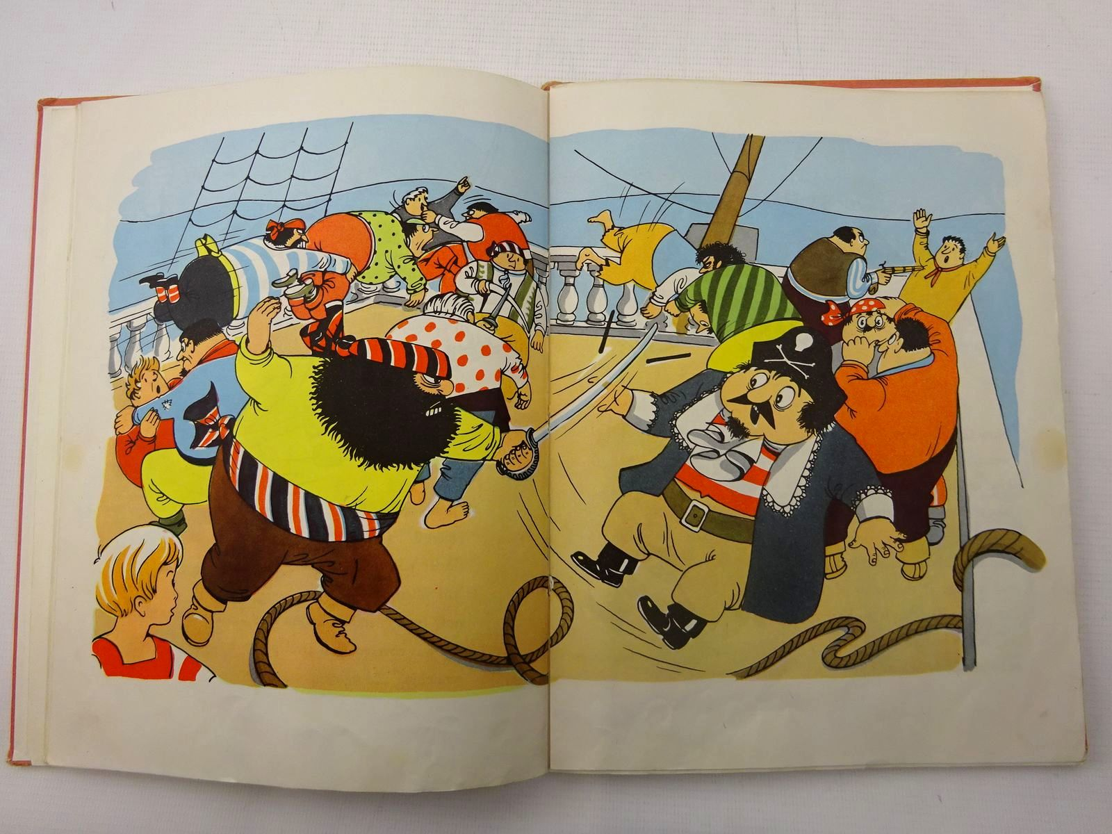 Photo of PUGWASH ALOFT written by Ryan, John illustrated by Ryan, John published by The Bodley Head (STOCK CODE: 2127232)  for sale by Stella & Rose's Books