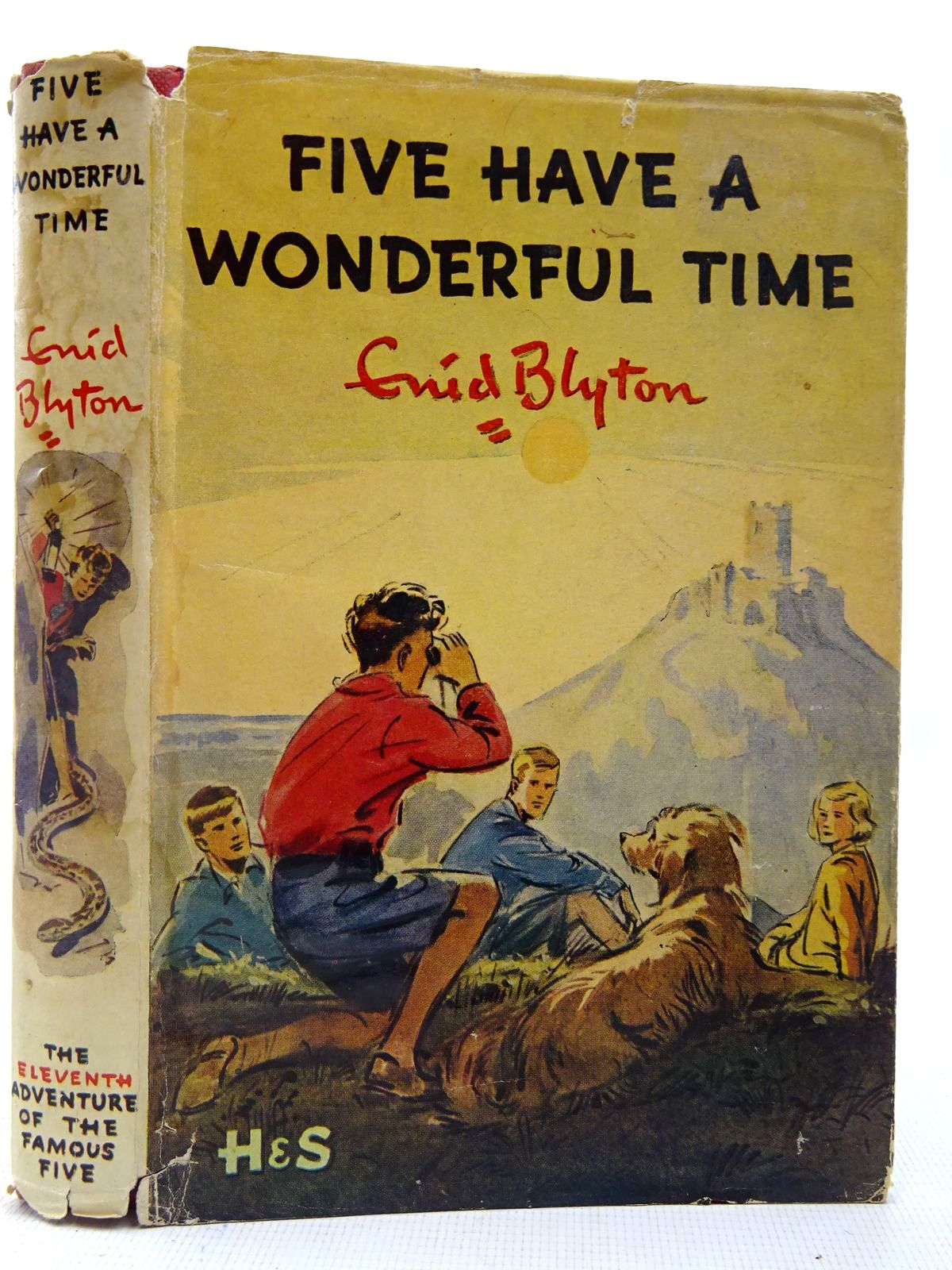 Photo of FIVE HAVE A WONDERFUL TIME written by Blyton, Enid illustrated by Soper, Eileen published by Hodder & Stoughton (STOCK CODE: 2127286)  for sale by Stella & Rose's Books