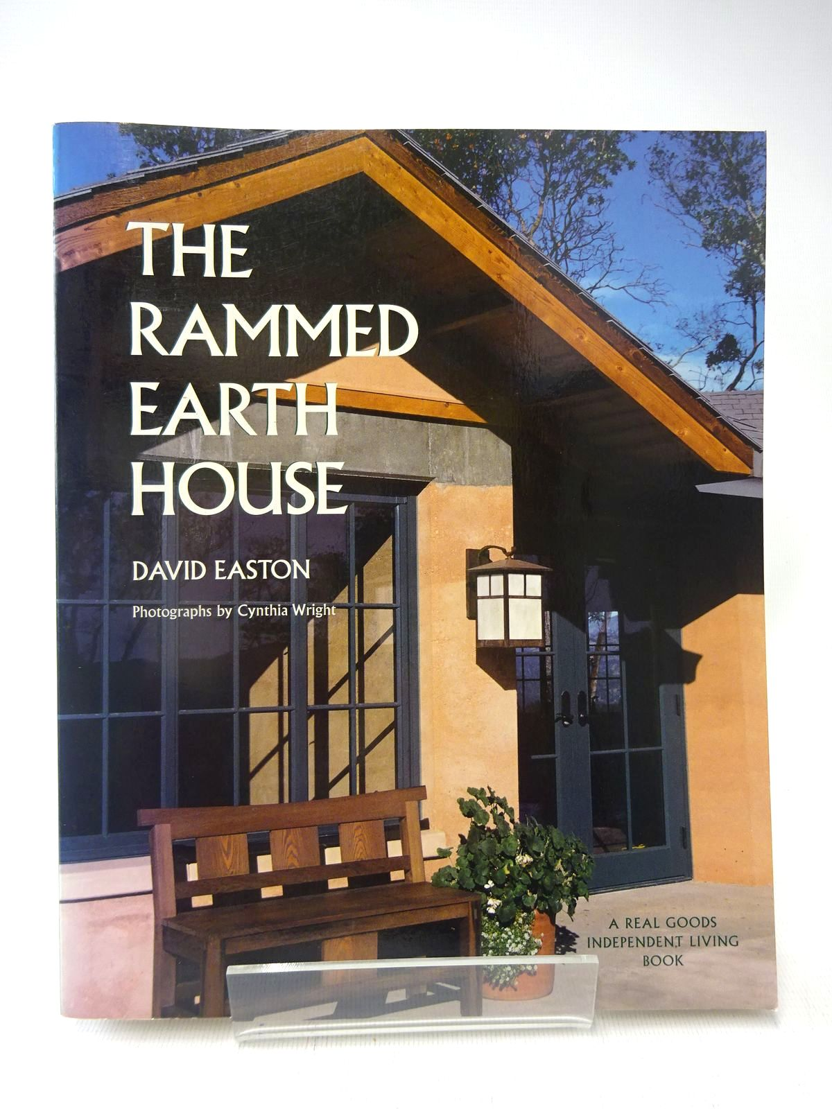Photo of THE RAMMED EARTH HOUSE written by Easton, David published by Chelsea Green Publishing Company (STOCK CODE: 2128054)  for sale by Stella & Rose's Books