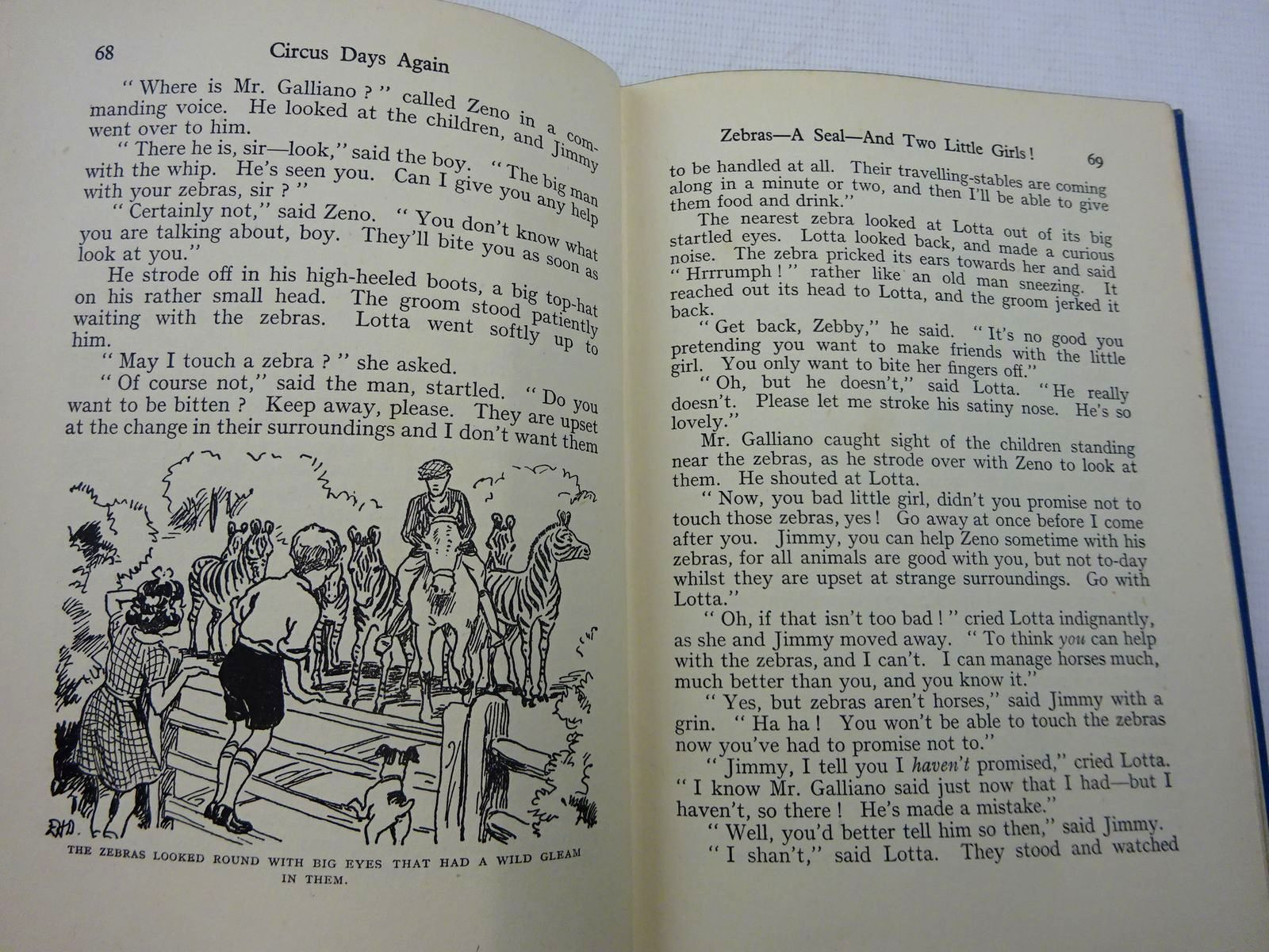 Photo of CIRCUS DAYS AGAIN written by Blyton, Enid illustrated by Davie, E.H. published by George Newnes Limited (STOCK CODE: 2128945)  for sale by Stella & Rose's Books