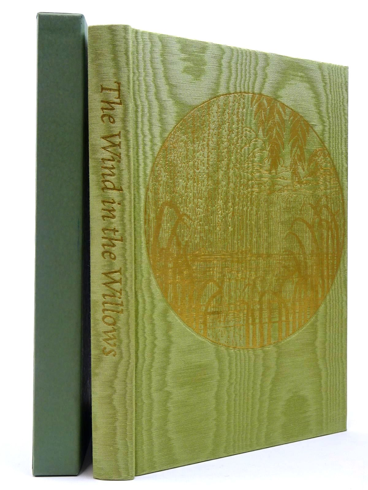 Photo of THE WIND IN THE WILLOWS written by Grahame, Kenneth illustrated by Lynch, James published by Folio Society (STOCK CODE: 2129690)  for sale by Stella & Rose's Books