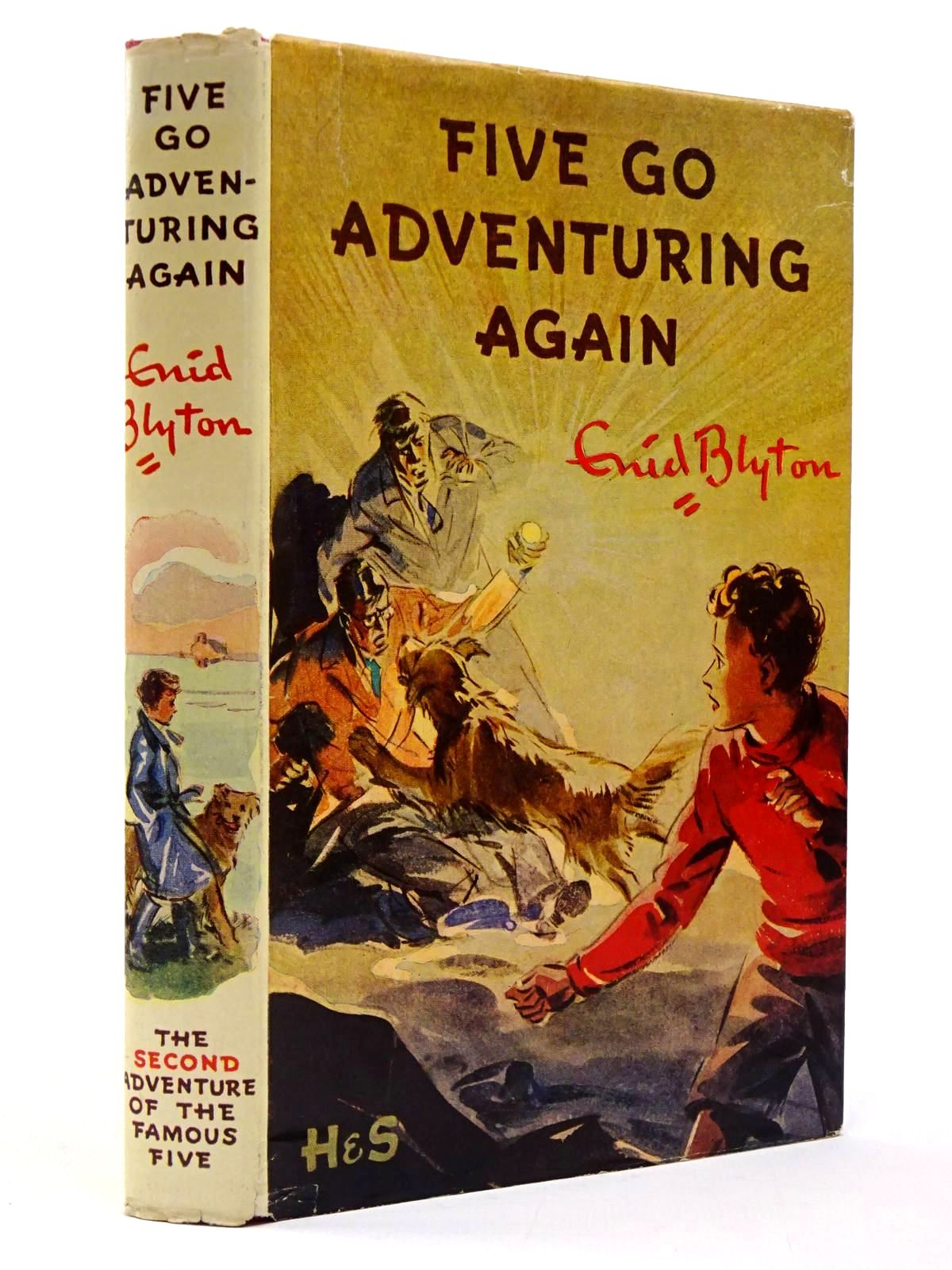 Photo of FIVE GO ADVENTURING AGAIN written by Blyton, Enid illustrated by Soper, Eileen published by Hodder & Stoughton (STOCK CODE: 2129887)  for sale by Stella & Rose's Books