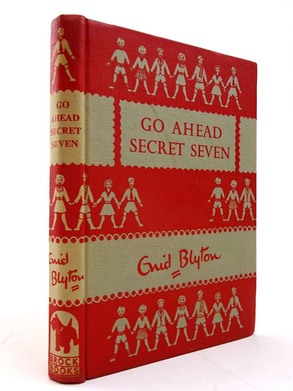Photo of GO AHEAD SECRET SEVEN written by Blyton, Enid illustrated by Kay, Bruno published by Brockhampton Press Ltd. (STOCK CODE: 2130570)  for sale by Stella & Rose's Books