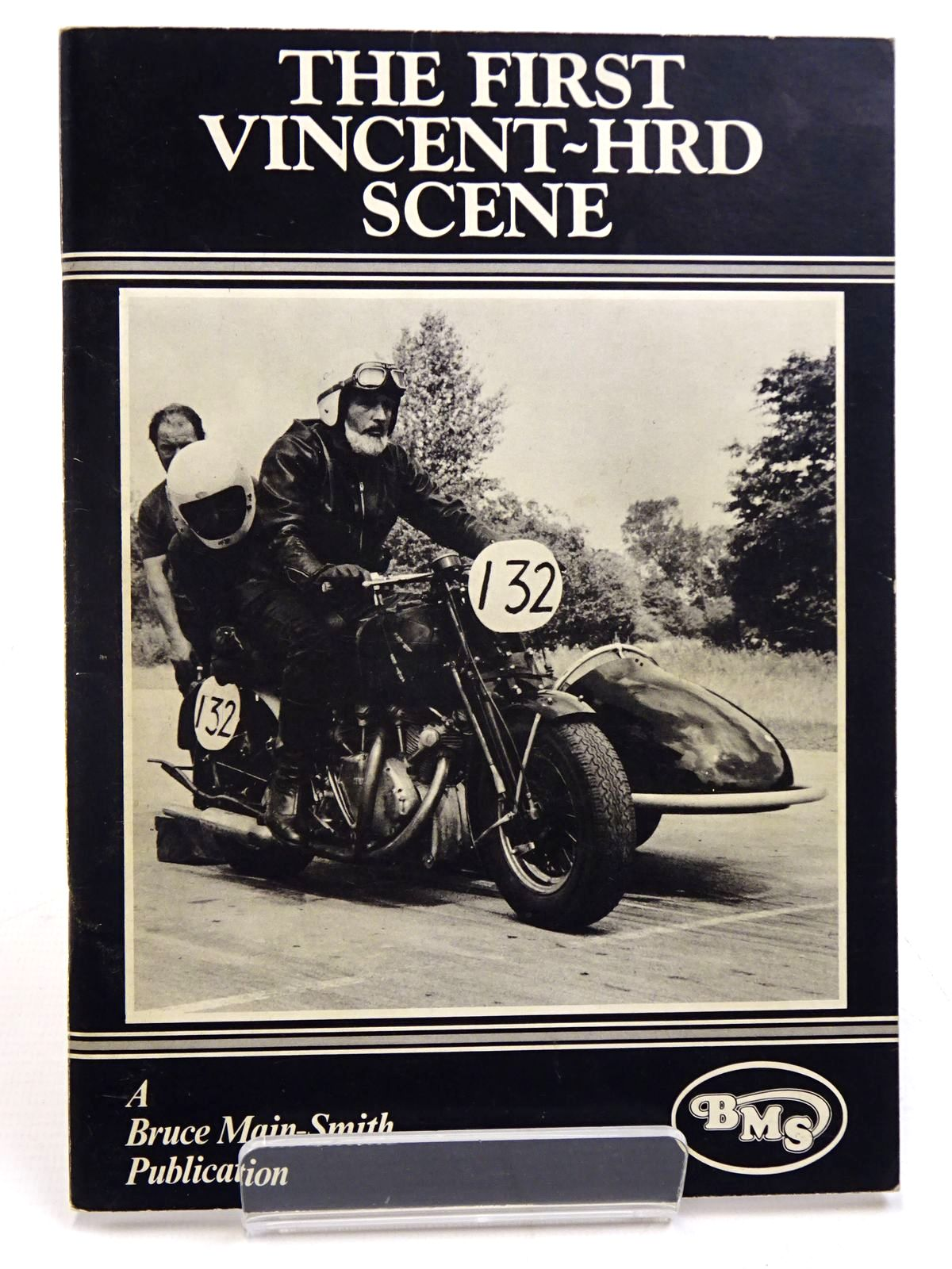 Photo of THE FIRST VINCENT-HRD SCENE written by Main-Smith, Bruce published by Bruce Main-Smith & Co. Ltd. (STOCK CODE: 2130933)  for sale by Stella & Rose's Books