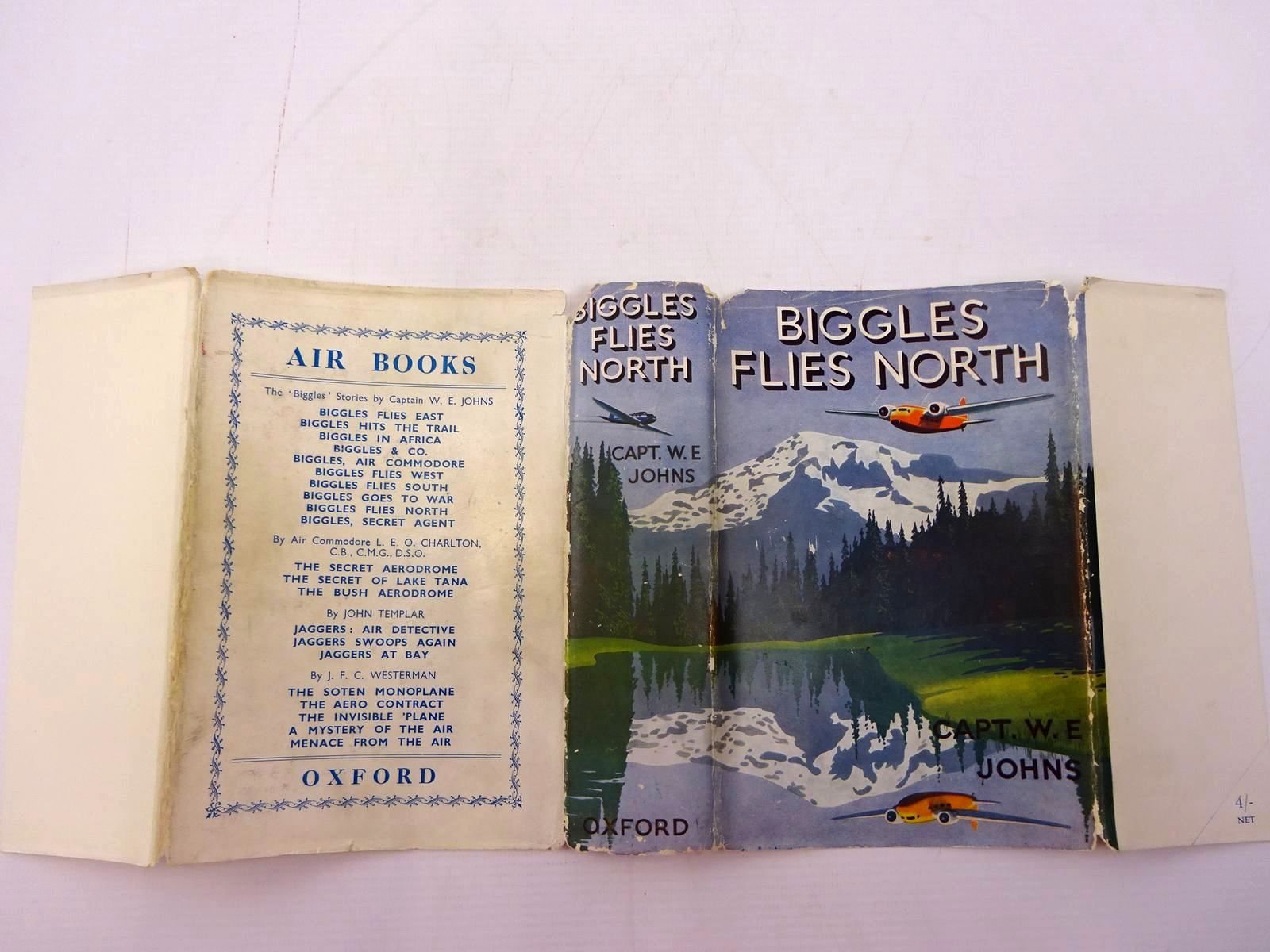 Photo of BIGGLES FLIES NORTH written by Johns, W.E. illustrated by Leigh, Howard Narraway, Will published by Oxford University Press (STOCK CODE: 2131063)  for sale by Stella & Rose's Books