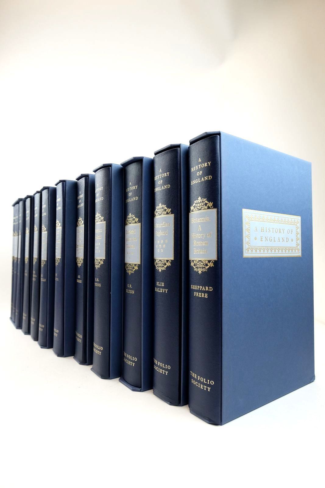 Photo of A HISTORY OF ENGLAND (12 VOLUMES) written by Briggs, Asa