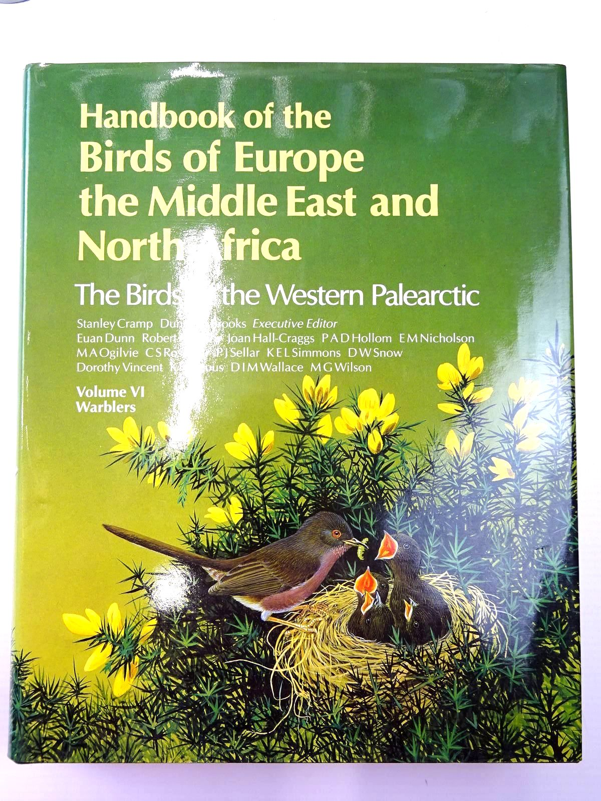 Photo of HANDBOOK OF THE BIRDS OF EUROPE THE MIDDLE EAST AND NORTH AFRICA (9 VOLUMES) written by Cramp, Stanley illustrated by Barruel, Paul