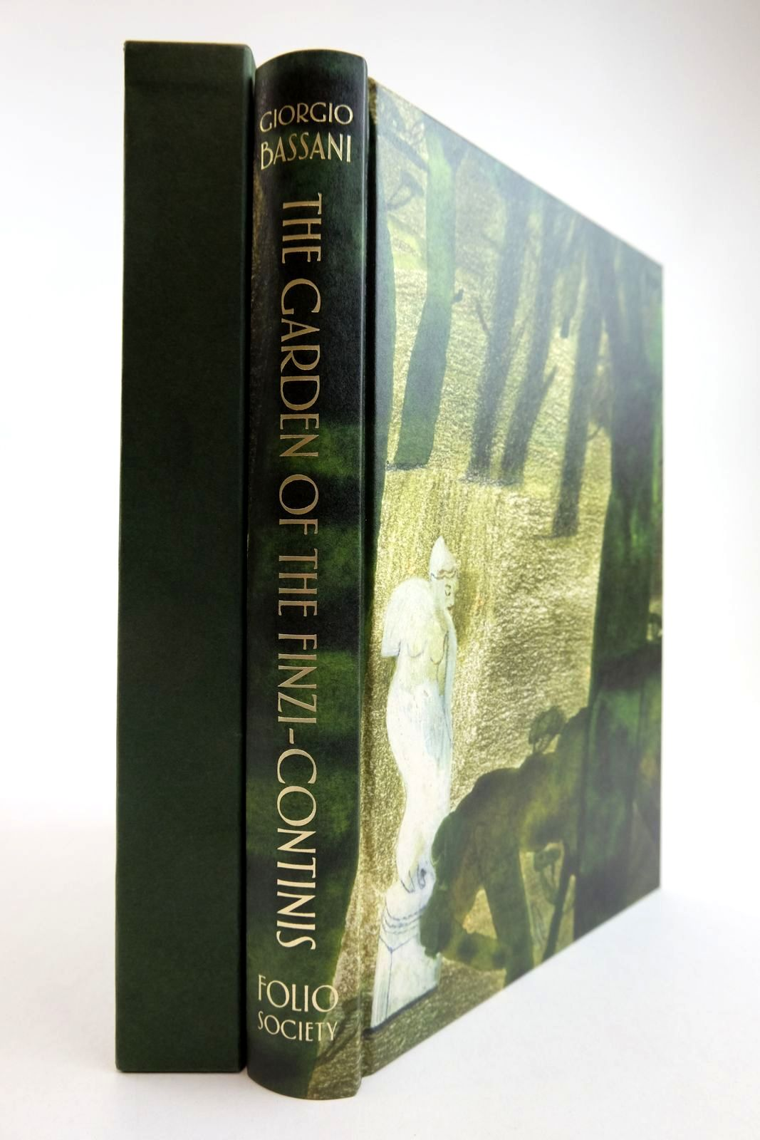 Photo of THE GARDEN OF THE FINZI-CONTINIS written by Bassani, Giorgio McKendrick, Jamie Mawer, Simon illustrated by Carlin, Laura published by Folio Society (STOCK CODE: 2134244)  for sale by Stella & Rose's Books