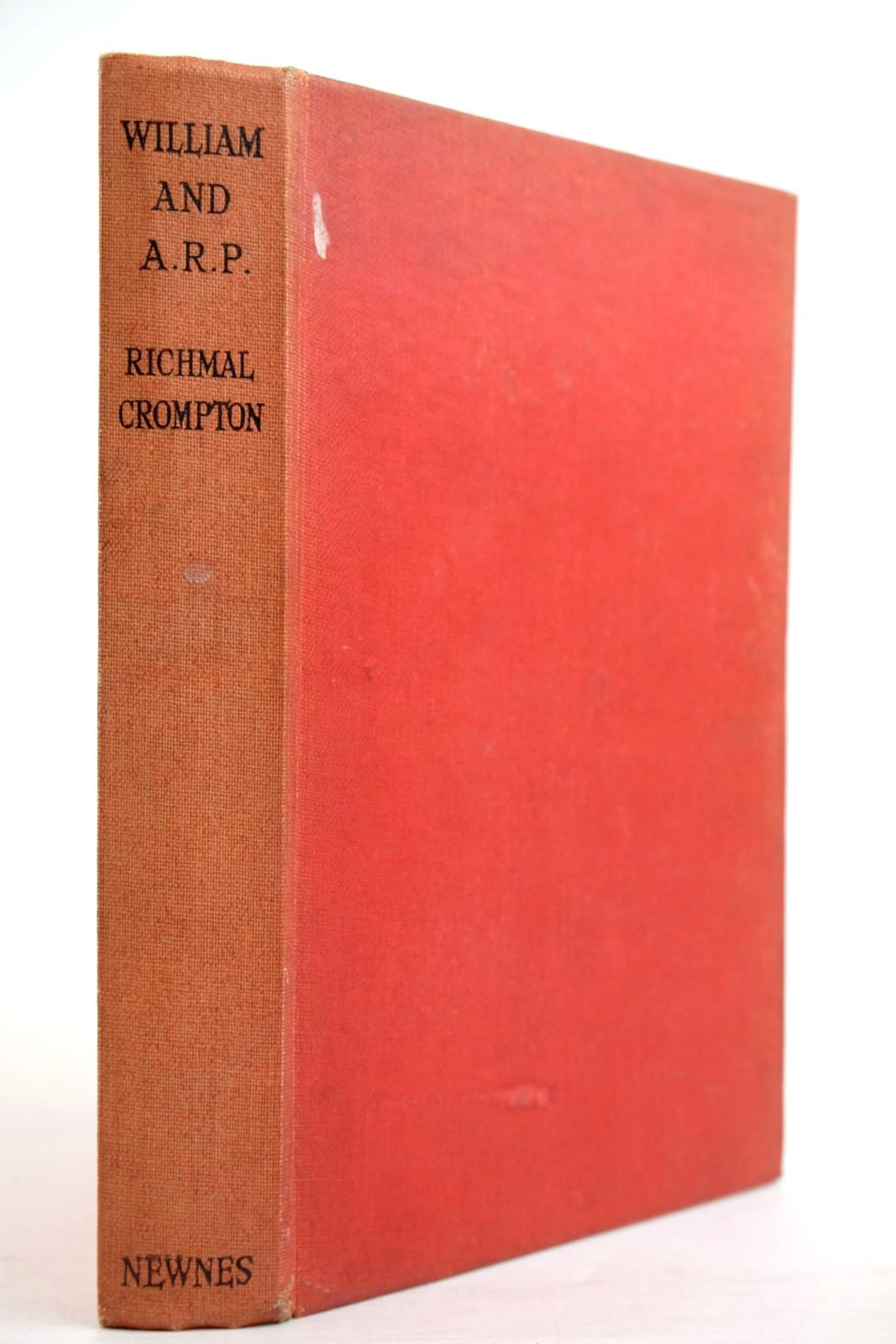 Photo of WILLIAM AND A.R.P. written by Crompton, Richmal illustrated by Henry, Thomas published by George Newnes Limited (STOCK CODE: 2134373)  for sale by Stella & Rose's Books
