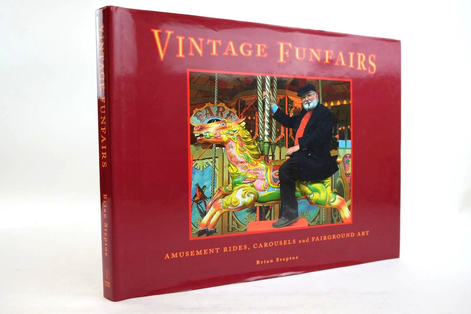 Photo of VINTAGE FUNFAIRS AMUSEMENT RIDES, CAROUSELS AND FAIRGROUND ART- Stock Number: 2134452