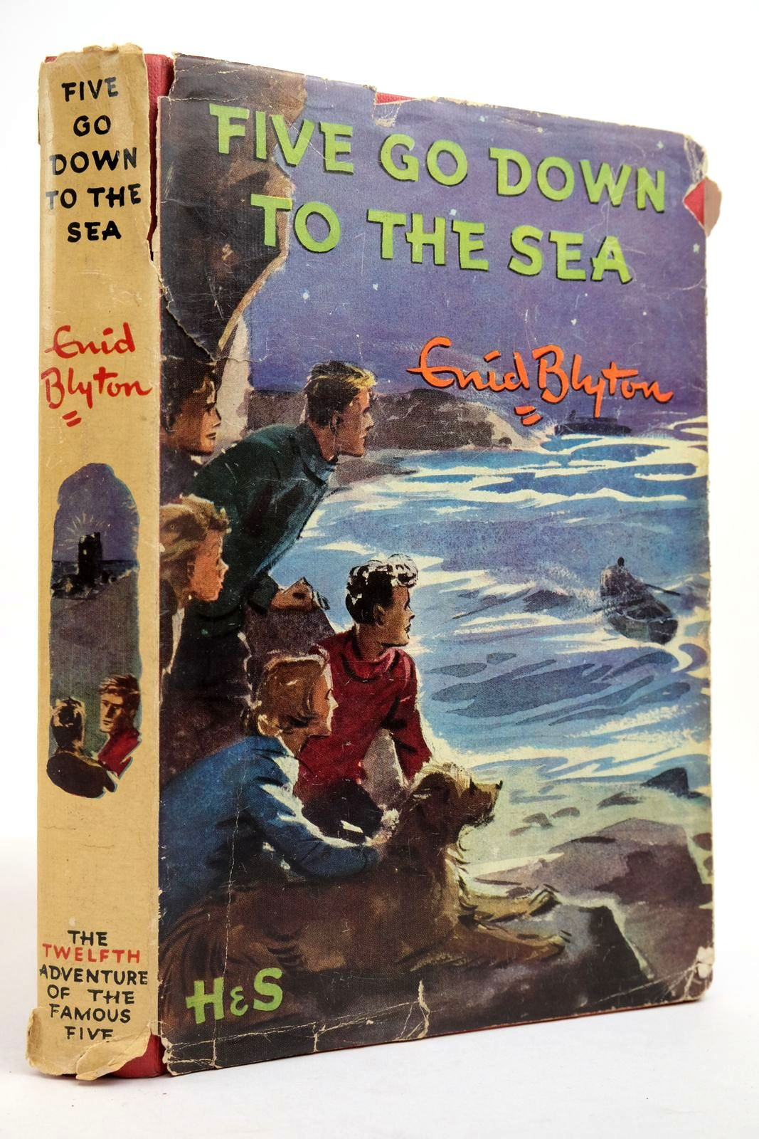 Photo of FIVE GO DOWN TO THE SEA- Stock Number: 2134941