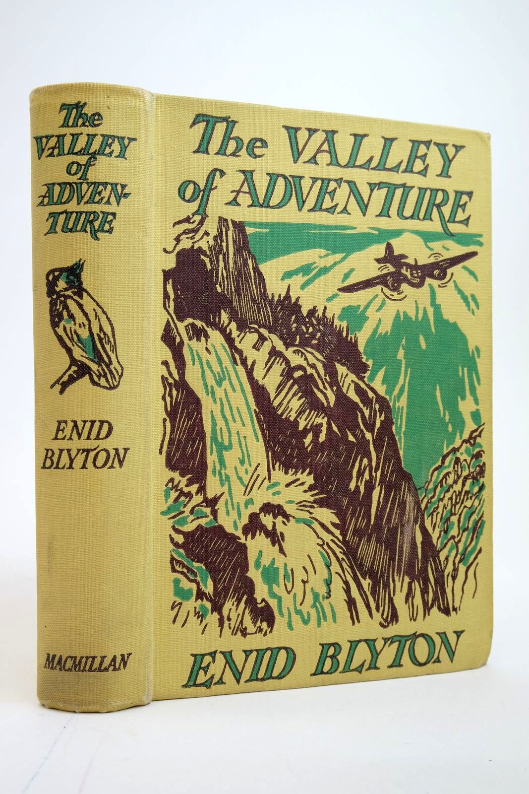 Photo of THE VALLEY OF ADVENTURE- Stock Number: 2135170