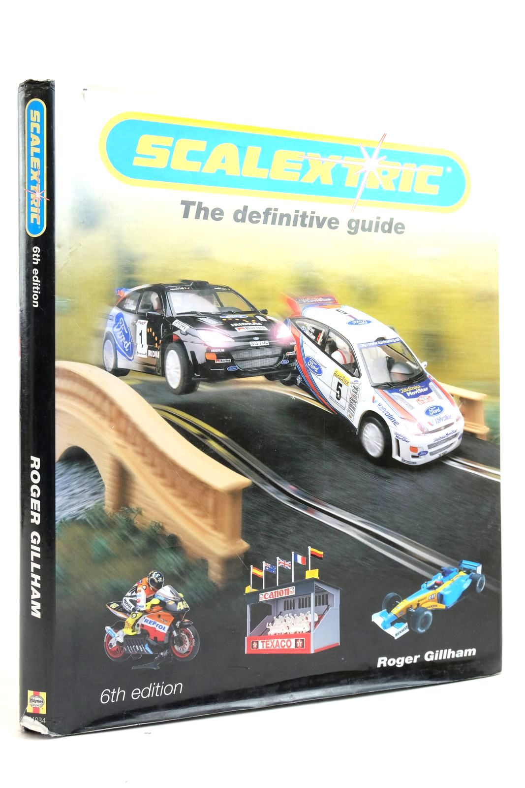 Photo of SCALEXTRIC THE DEFINITIVE GUIDE- Stock Number: 2135176
