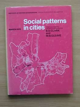 Photo of SOCIAL PATTERNS IN CITIES- Stock Number: 560330