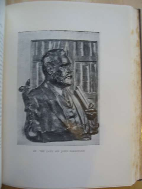 Photo of THE NATIONAL LIBRARY OF WALES A SURVEY OF ITS HISTORY, ITS CONTENTS AND ITS ACTIVITIES written by Davies, W. Llewellyn published by The National Library of Wales (STOCK CODE: 581669)  for sale by Stella & Rose's Books