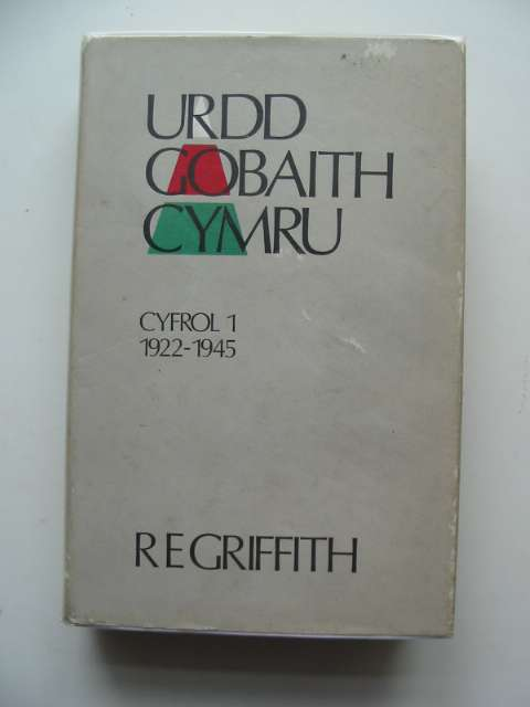 Photo of URDD GOBAITH CYMRU written by Griffith, R.E. published by Cwmni Urdd Gobaith Cymru (STOCK CODE: 676279)  for sale by Stella & Rose's Books